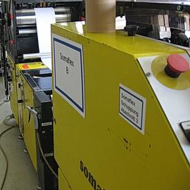 Anlagenetikett A7 wird zur Kennzeichnung auf dem Anlagengehäuse eingesetzt