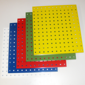 Lochplatte S ist ein beschichtetes Stahlblech mit Löchern zur Montage von Werkzeughaltern