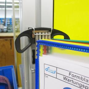 Safeclip 5x Flex  wird im Dokuhalter eingesetzt als zusätzliche Sicherung