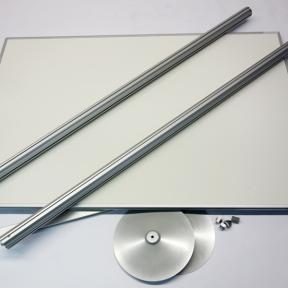 Standboard 150 Pro mit Gestellen und Tellerfüßen