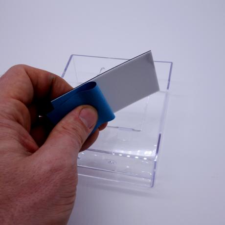 Magnetstreifen auf Haftnotizhalter anbringen