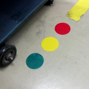 Farbige B-Punkt Grip 50 Klebepunkte kleben auf dem Boden
