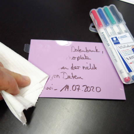 Whiteboardmarker Mag S sind vom Whiteboard und den geeigneten Karten trocken abwischbar