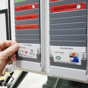 Steckkartenhalter K Pro L als Erweiterung der T-Kartenschiene 90 Pro